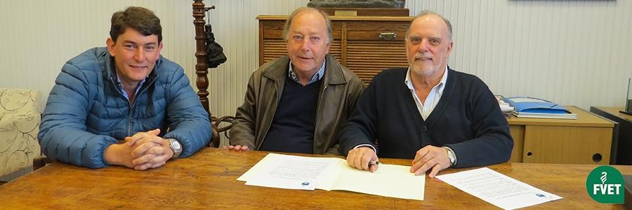 Firma de Convenio entre la Facultad de Veterinaria y el Laboratorio Microsules S.A